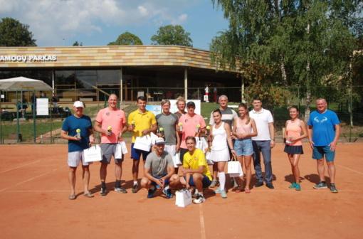Teniso mėgėjai savaitgalį liejo emocijas ir prakaitą Druskininkuose