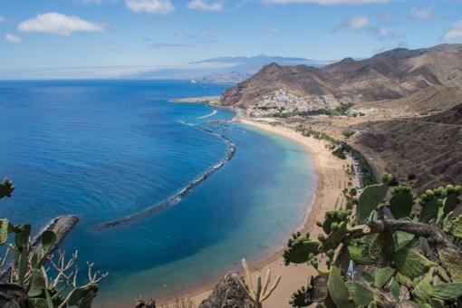 Milijonai pasaulio turistų traukia į Kanarus: kodėl geidžiamiausia sala rudenį – Tenerifė?