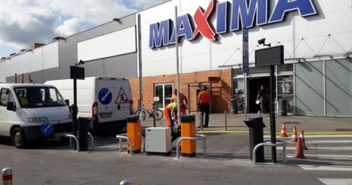 Parduotuvės aikštelėje vairuotojus kontroliuos užkardos