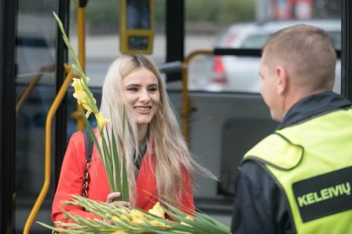 Baltijos kelio 30-mečio proga – jūra kardelių sostinės viešojo transporto keleiviams