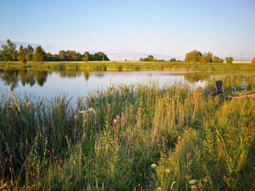 Kupiškio rajone į ežerą nuriedėjo lengvasis automobilis