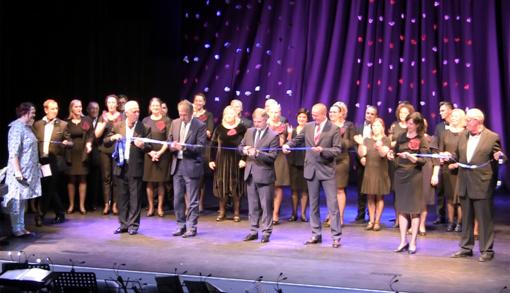 Iškilmingame Molėtų koncertų salės atidaryme skambėjo padėkos žodžiai, simfoninio orkestro muzika, operos atlikėjų balsai ir ilgos šiltos ovacijos