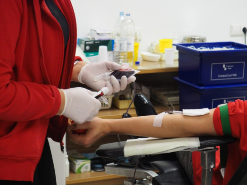 VUL Santaros klinikose vis dar juntamas didelis kraujo stygius