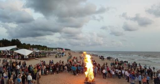 Senovinė ugnies naktis Palangoje kvies vienybei