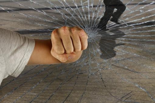 Iš Minsko – pranešimai apie guminėmis kulkomis sužeistus protestuotojus