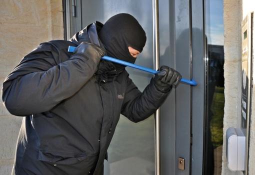 Panevėžio rajone apvogti moters namai