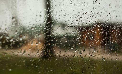 Orai: gražios dienos baigiasi – prireiks šiltesnių rūbų ir skėčių