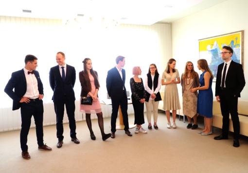 Lietuva lauks iš užsienio universitetų grįžtančių gabiausių savo piliečių