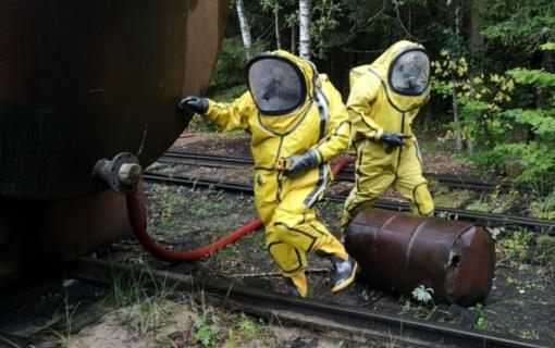 Ukmergės rajone iš šulinio ištraukti 27 maišai su neaiškios kilmės medžiaga