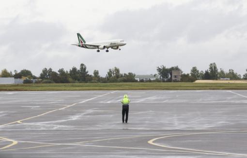Vilniaus oro uoste pasieniečiai sulaikė du teisėsaugos ieškomus kauniečius