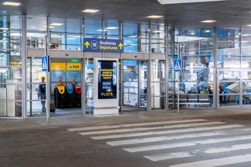 Vilniaus oro uoste pareigūnai sulaikė 40 lagaminų su cigaretėmis