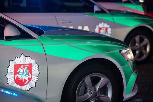 Vilniuje automobilis partrenkė ir mirtinai sužalojo į kelio važiuojamąją dalį išėjusį vyrą