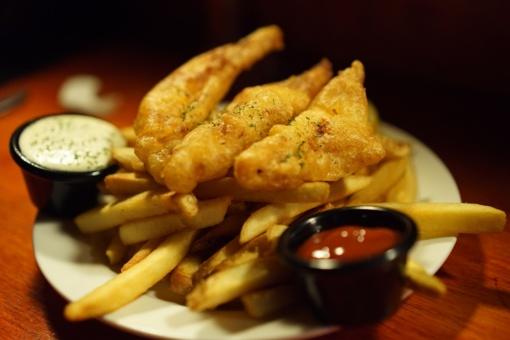 Medikų įspėjimas: keptomis bulvytėmis ir čipsais mitęs paauglys apako ir apkurto