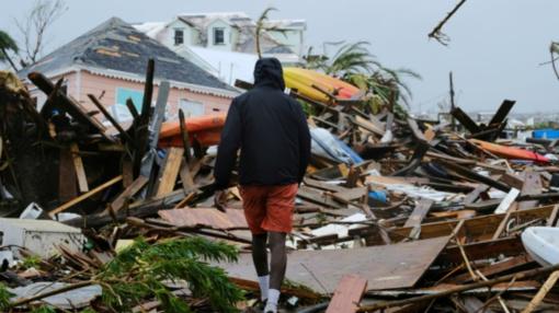 """Didėjant uragano """"Dorian"""" aukų skaičiui Bahamose, Šiaurės Karolinos laukia sunki naktis (vaizdo įrašas)"""