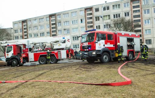 Kaišiadorių rajone daugiabutyje kilo gaisras
