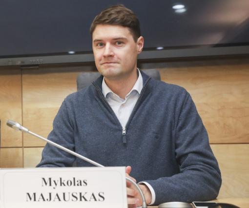 Ministerija iš esmės pritaria M. Majausko siūlymui drausti elektronines cigaretes su kvapiosiomis medžiagomis