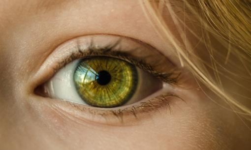 Ką išduoda akių spalva?