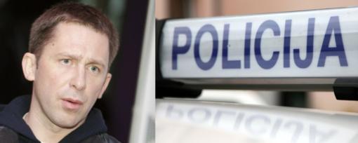 """E. Dragūnas vėl """"prisidirbo"""": spruko nuo policijos pareigūnų"""