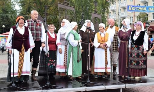 """Vilniaus rajono amatininkai ir etnografinis ansamblis """"Verdenė"""" dalyvavo viduramžių šventėje Polocke"""