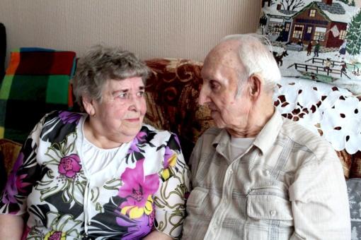 Panevėžiečių pora net po 68-erių santuokos metų spinduliuoja meile ir pagarba