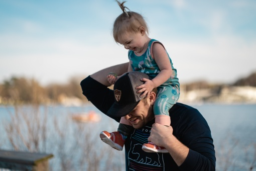 """Tėvystė – tai ne """"padėti žmonai"""", o būti tėvu savo vaikui"""