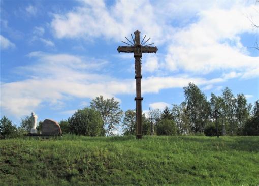 Restauruojami kryžiai atgyja antram gyvenimui