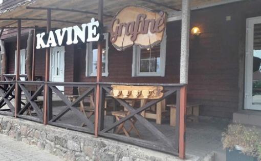 Nelegaliai padavėjas įdarbinusiai kavinės vadovei skirta bauda