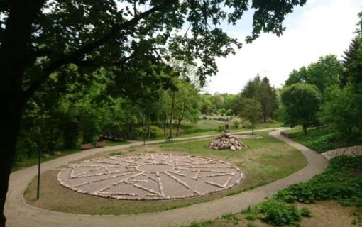 Atnaujintas Akmenų muziejaus parkas atsiveria lankytojams