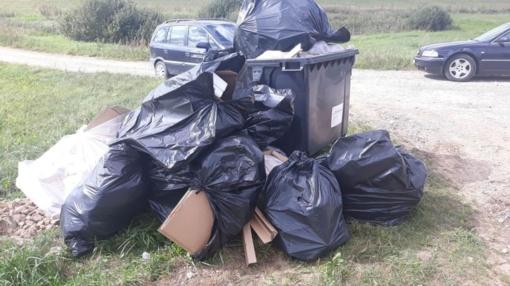 Lazdijų krašto gyventojų prašoma atliekas palikti tam skirtose vietose