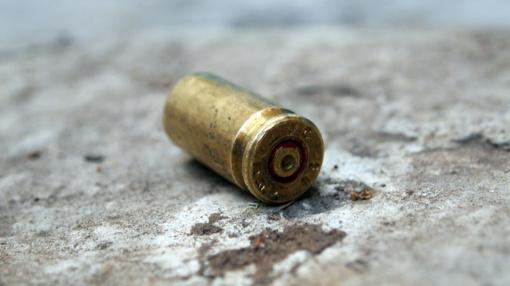Panevėžio policija toliau aiškinasi, kaip ant žemės rastas šovinys sužalojo paauglį