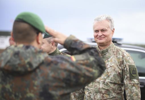 Šalies vadovas ir krašto apsaugos vadovybė Rukloje stebėjo Lietuvos ir NATO bataliono sąveikumo pratybas
