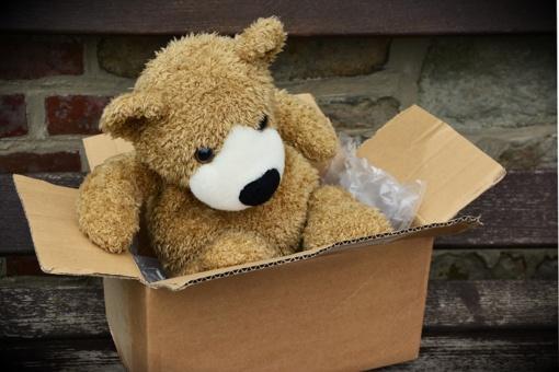 Kartoninės dėžės – kodėl jos taip plačiai naudojamos pakavimui?
