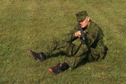 """""""Ypatingame būryje"""" dalyvaujantis sužeistas karys – atvirai apie gyvenimą pakeitusį sprogimą"""