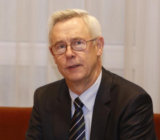 Seimo kontrolierius: sulaikytos užsieniečių šeimos su mažamečiais vaikais laikomos už grotų