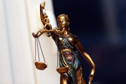 Rajono politikas siunčiamas į teismą