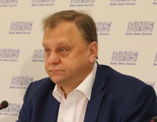 Metė akmenį į R. Masiulio daržą: situacija transporto sektoriuje Lietuvoje pablogėjo, sustojo darbai