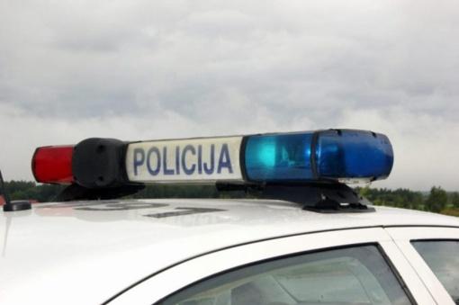 Klaipėdos rajone nuo kelio nuvažiavo neblaivaus vyro vairuojamas automobilis