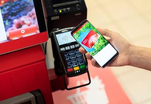 Plastikinės lojalumo kortelės užleidžia vietą telefonams
