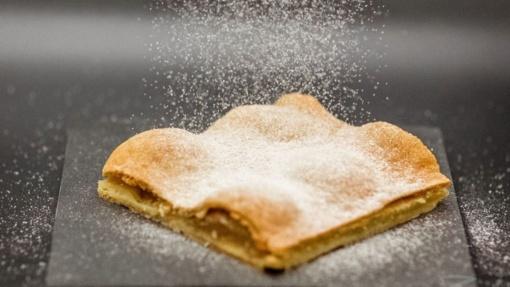 Lengvas ir neįprastas obuolių pyragas