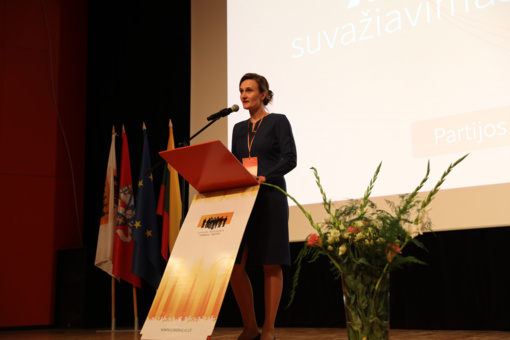 E. Gentvilas perdavė liberalų pirmininko vairą V. Čmilytei-Nielsen: naujoji lyderė įvardijo prioritetus