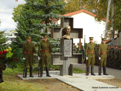 Kelmėje atidengtas paminklas Vladui Putvinskiui