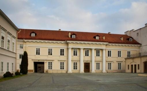 Vilniaus savivaldybė siekia iškraustyti dailininko K. Žoromskio našlę