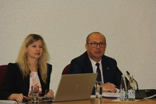 Tarybos posėdyje – lengvatos smulkiajam verslui ir supaprastintas žemės mokestis