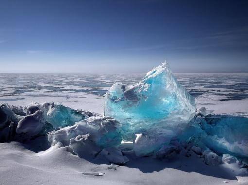 Antarktyje nuo ledyno atskilo didžiulis ledkalnis