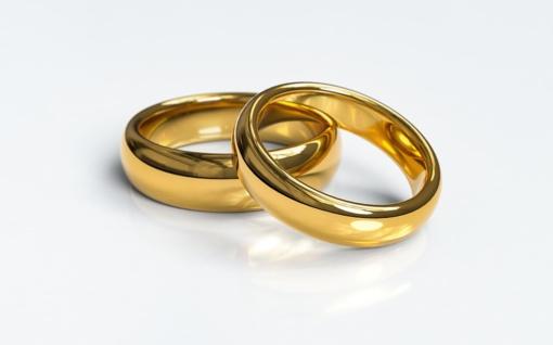 Prienuose ugniagesių prašyta moteriai nuo pirštų nupjauti žiedus