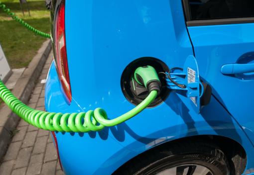 Seimo apsisprendimui – siūlymas naujų elektromobilių įsigijimui taikyti lengvatinį 9 proc. PVM tarifą