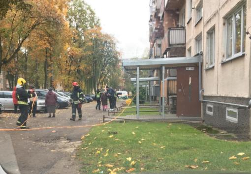Specialiųjų tarnybų sujudimas V. Krėvės prospekte: evakuotas daugiabutis