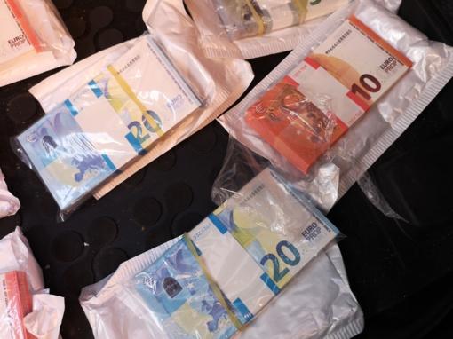 Žaidimams skirtus netikrus pinigus pavertė legalia valiuta