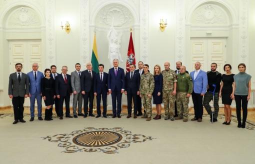 G. Nausėda susitiko su Dniepropetrovsko srities delegacija ir Lietuvoje gydomais Ukrainos kariais
