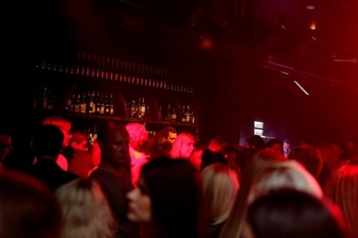Kauno naktiniame bare apsvaiginta mergina kreipiasi į kaunietes: būkite atsargios